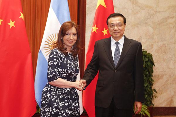 Cristina Fernadez (links) und Li Keqiang (rechts)