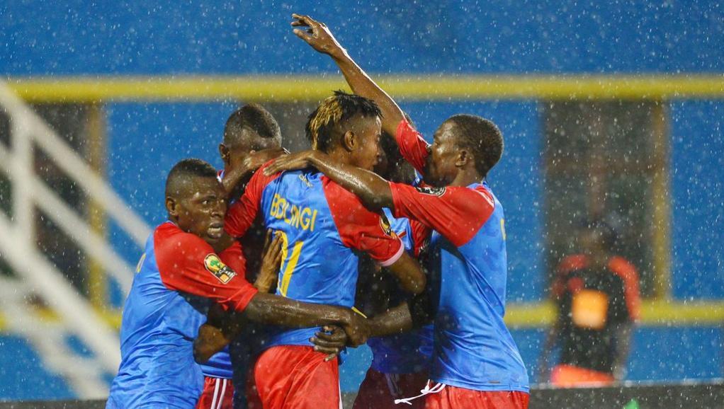 Fussballspieler der B-Fussballnationalmannschaft der Demokratischen Republik Kongo beim Endspiel DR Kongo gegen Mali am 7. Februar 2016 im Amahoro-Stadion zu Kigali.