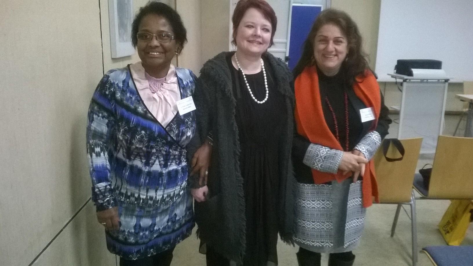 Dr. Pierrette Herzberger-Fofana ( Vorstandsmitglied), Verena Osgyan ( MdL, Bündnis 90/Die Grünen), Mitra Sharifi-Neystanak (Vorstandsmitglied).