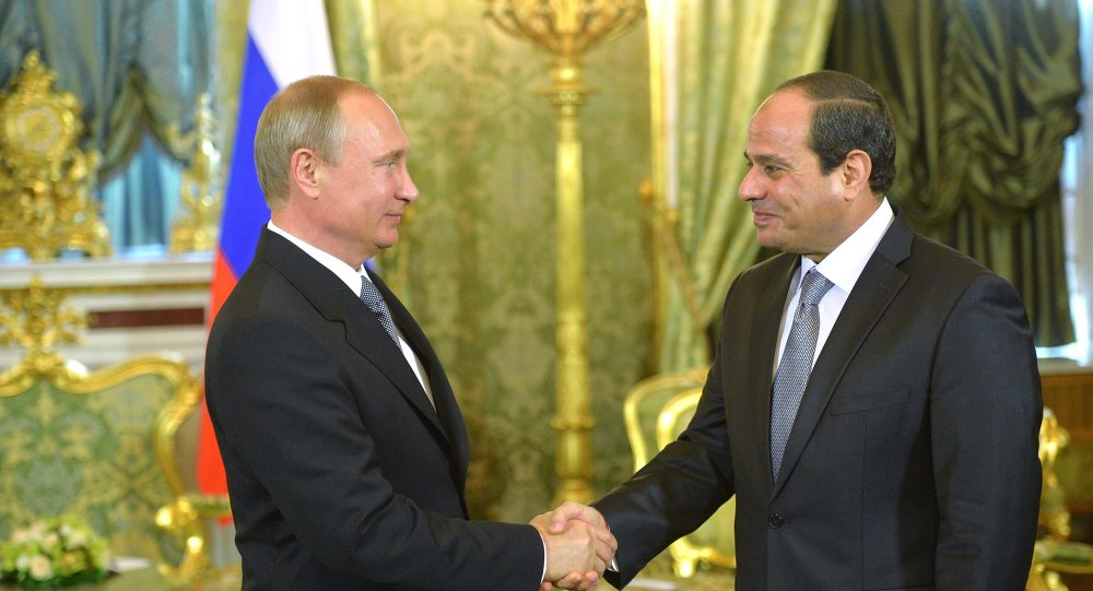 Der russische Staatspräsident Wladimir Putin (links) und der ägyptische Staatspräsident Abdel Fattah al-Sisi (rechts).