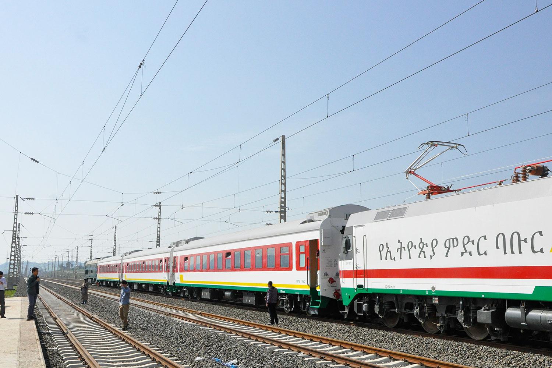 Die Äthiopien-Dschibuti-Eisenbahnstrecke wurde am 5. Oktober 2016 feierlich eröffnet und in Betrieb genommen.